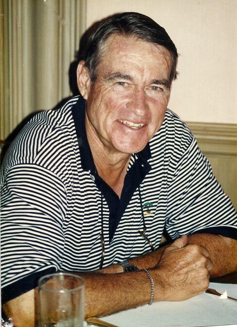 William Cox Jr., Dow Jones Heir Who Sold to Murdoch, Dies at 82