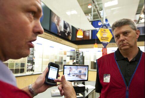 Lowe's Upgrades Website, Adds 42,000 IPhones to Spur Sales