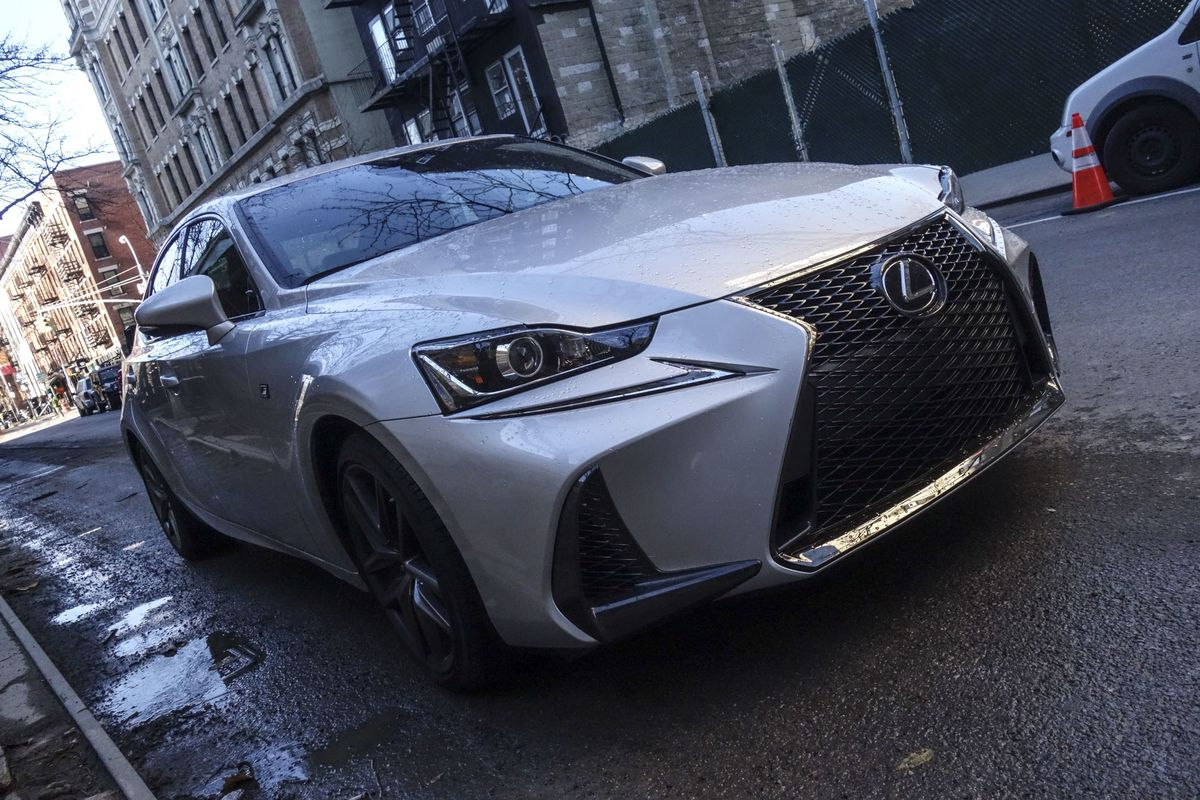 Lexus IS 200T F Sport Review - Bloomberg