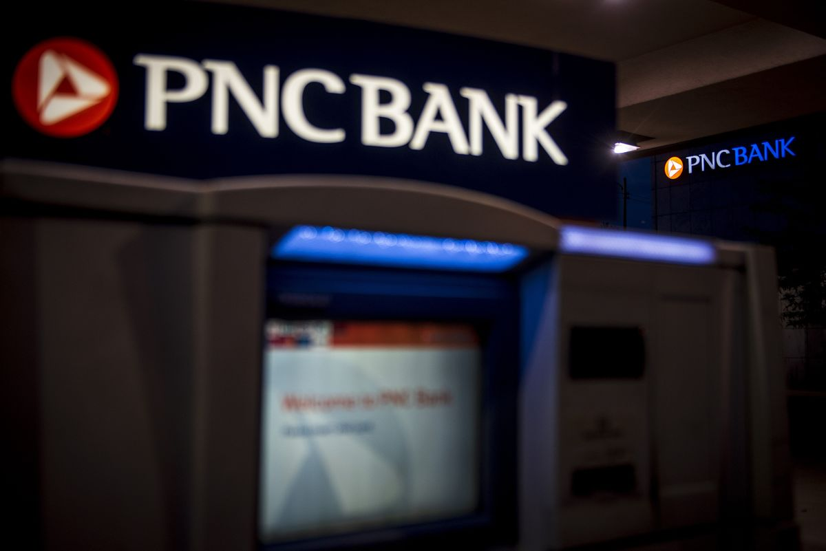 PNC Falls Most in Three Years on High Costs, Muted Loan Growth