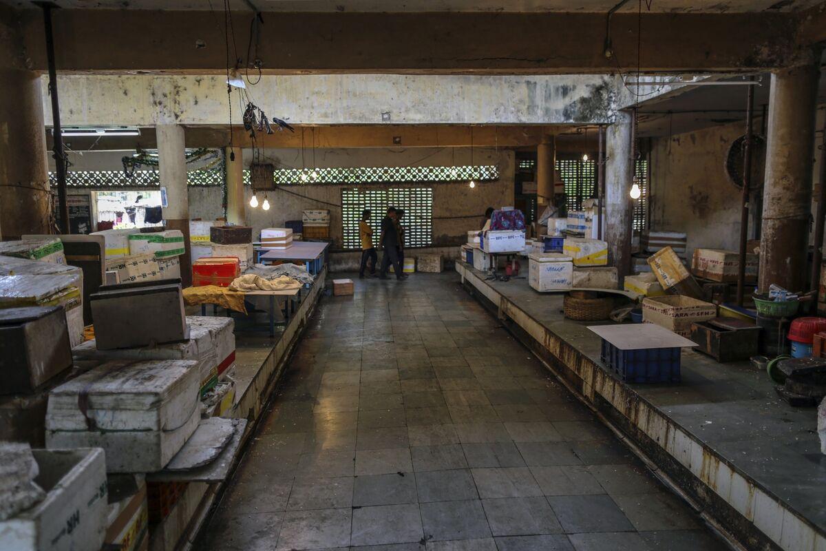 India Delays Plan for Population Register, Citing Coronavirus