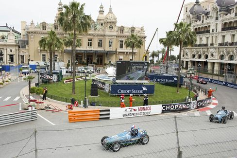 Two weeks before the main race, the Grand Prix historique race happens on the same race course. This viewis one of the turns around the famous Place du Casino.