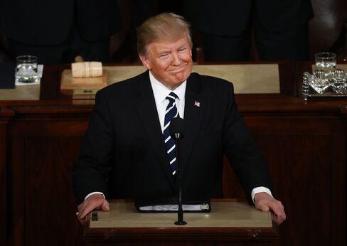 議会演説するトランプ大統領