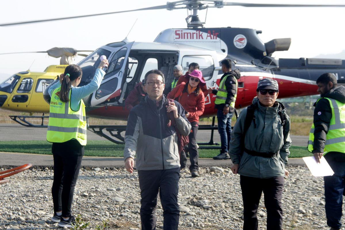 New Avalanches in Nepal Interrupt Search for Trekkers