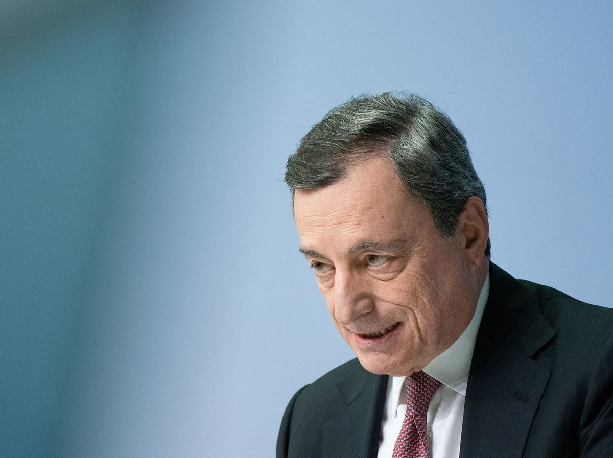 ECB's Draghi Urges Fiscal Action, Trade Openness to Lift Economy
