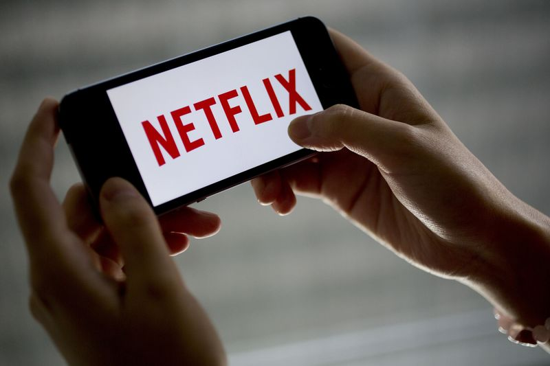 Hasil gambar untuk Perfect Time For Apple To Buy Netflix