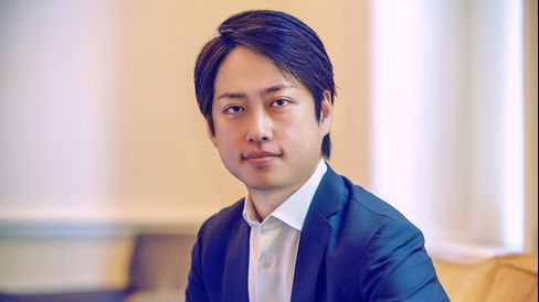 Keima Ueno sorted the results of a Harvard Business School survey to discover that only one Baker Scholar in 2015's graduating class signaled interest in joining an investment bank.