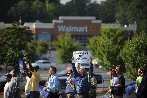 Walmart Moms Make the Case for $25,000 a Year