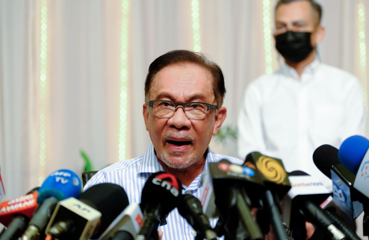Malaysia's Anwar Says No More Opposition Lawmakers Will Defect