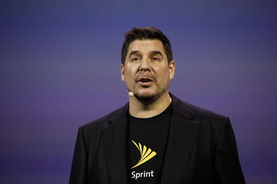 SoftBank COO Marcelo Claure Said to Pull Out of Saudi Conference