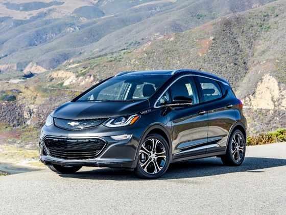 Biden's Buy-America Dream Relies on Buying EVs That No One Makes