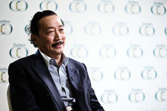 Malaysia Tycoon Hires Outsider to Revamp His Virus-Hit Empire