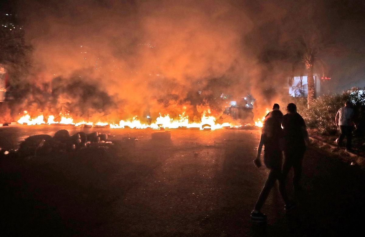 Lebanon Leader Threatens to Abandon Ship During Largest Protests in Years