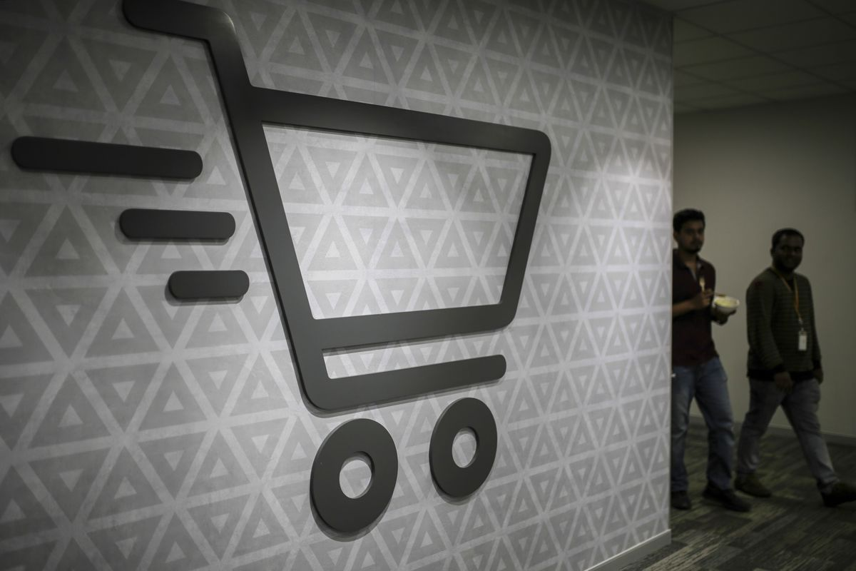 Ambani's $3.4 Billion Retail Deal Stalled by Indian Court