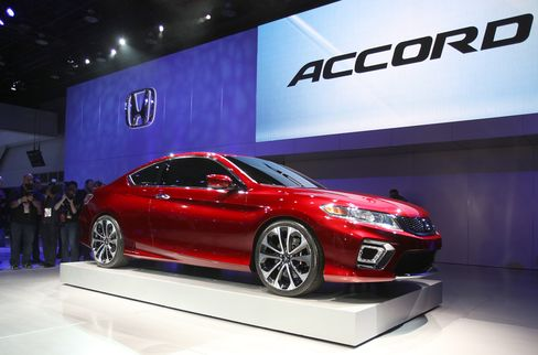Honda Accord Tops Camry in U.S. as Asian Brands Lose Share