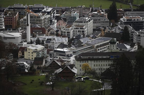 This Swiss Village Bet on Hedge Funds and Lost