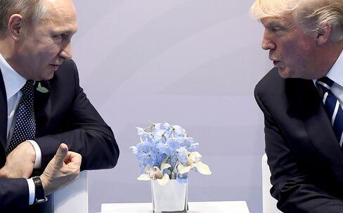7日会談したプーチン、トランプ両大統領