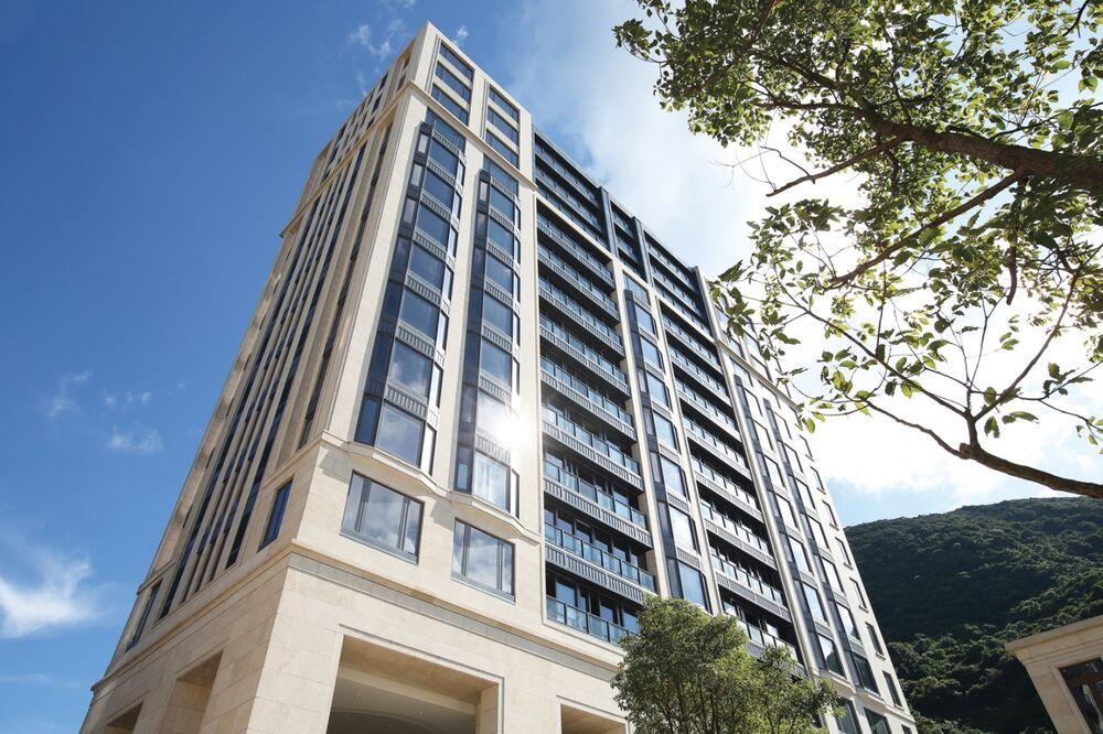 Mount Nicholson Apartment