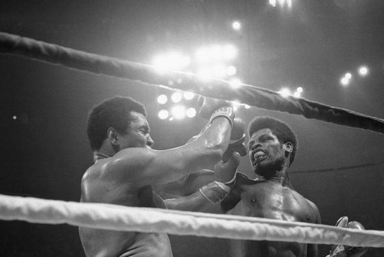 Leon Spinks, Boxer Who Took Title From Muhammad Ali, Dies at 67