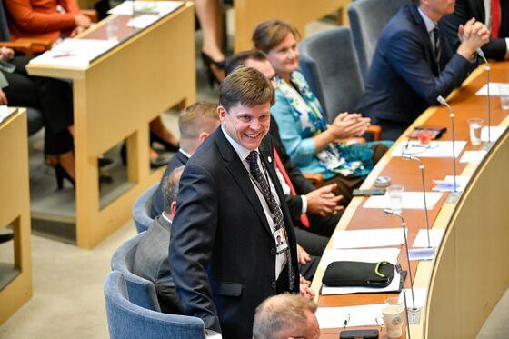 Swedish PM Faces Ouster as Lawmakers Prepare Confidence Vote