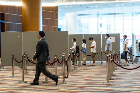 Hong Kong Takes 10 Hours to Count Some 4,400 Votes