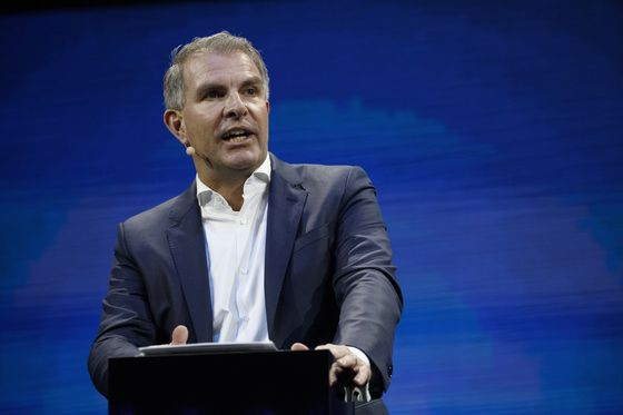 One Man Can Save Lufthansa's Bailout or Unleash Bedlam