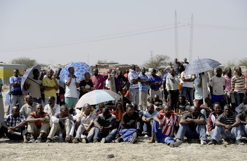 Lonmin Mine Killings Show Union Weakness May Foment Violence