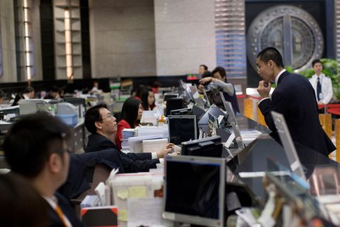 China's Savers Wise Up to Above-Market Rates