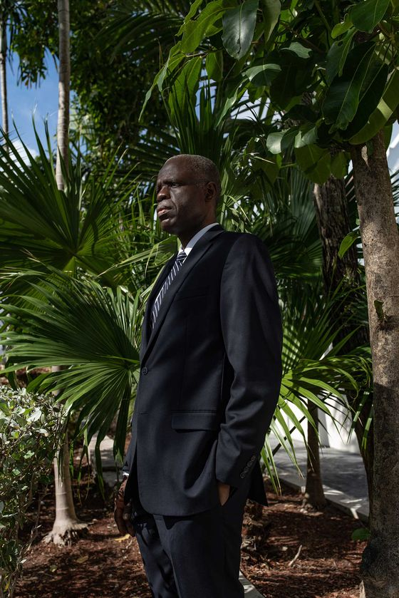 How the Tiny Bahamas Beat Global Giants in the E-Currency Race