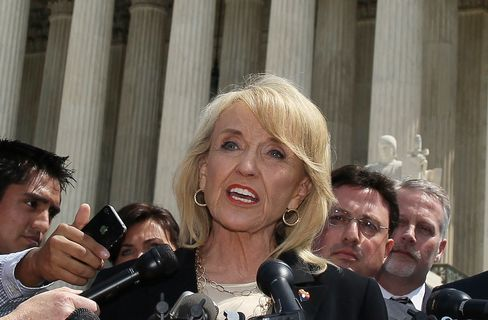 Arizona Law Criminalizing Some Abortions Not Halted by Judge