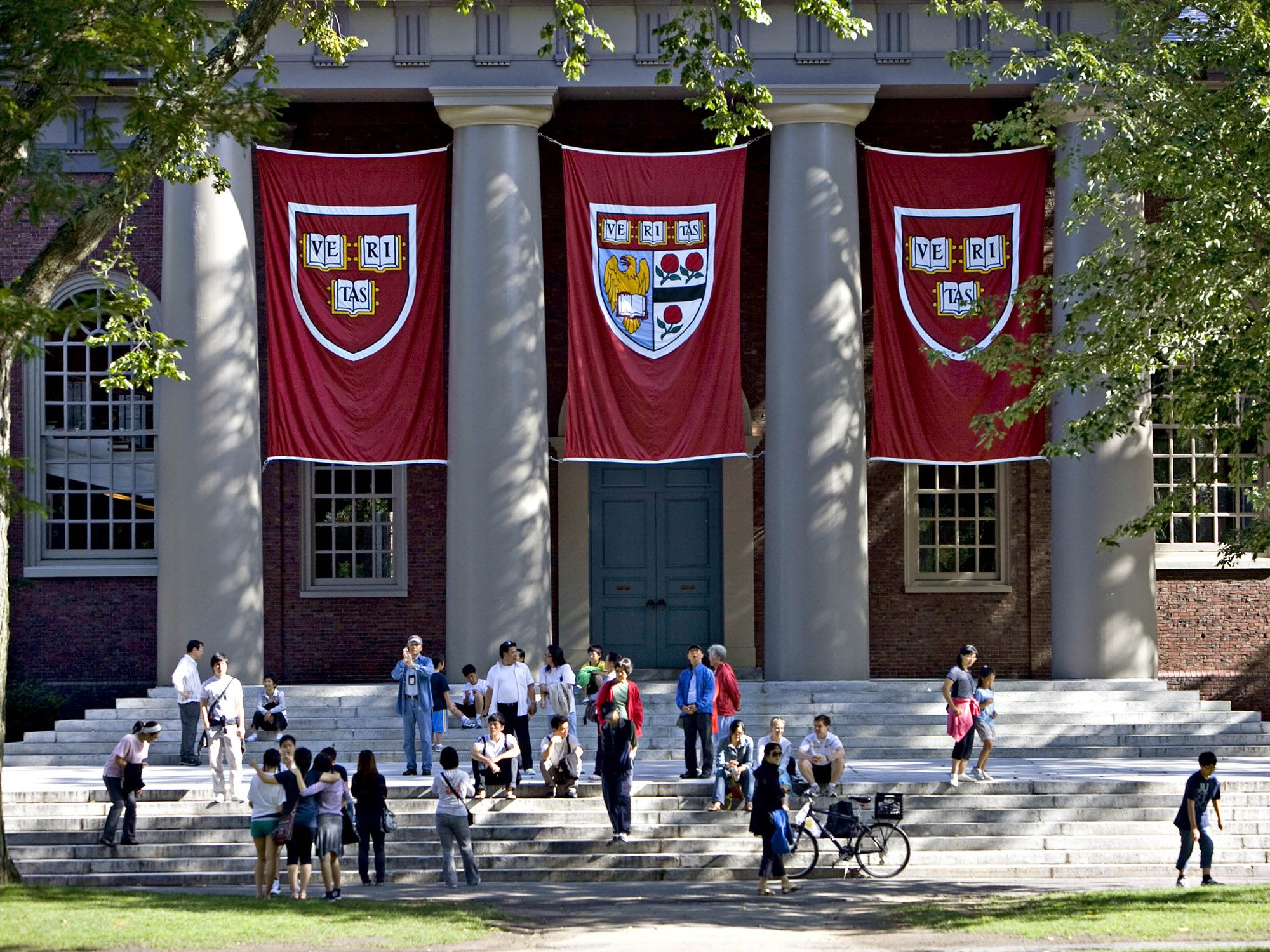 Ivy League Rallies Behind Harvard To Fight Admissions Suit