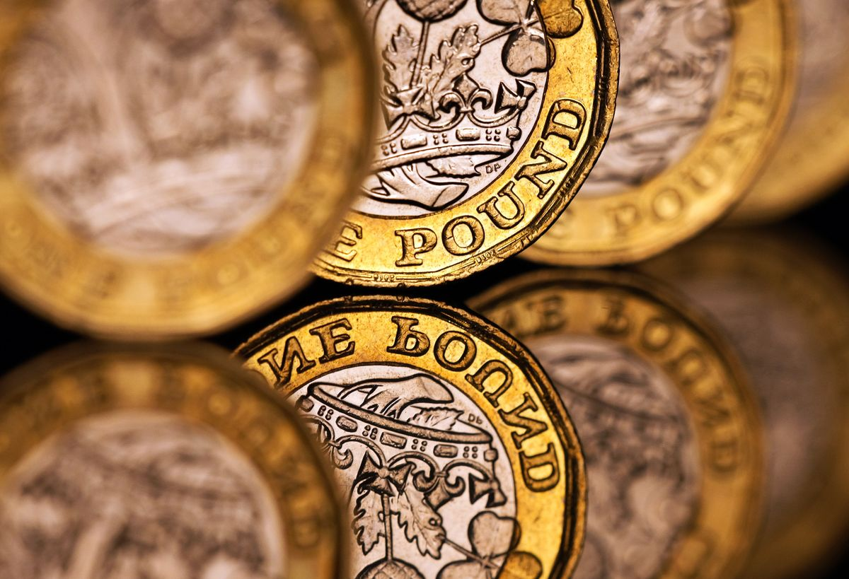 Pound Rises Most Since March on Talk of 'Pathway' to Brexit Deal