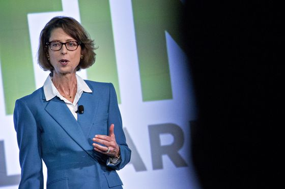 Fidelity Promotes More Women AfterMisconduct Allegations