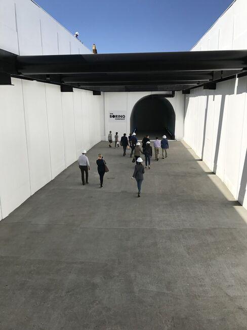 マスク氏が掘削した最初のトンネル