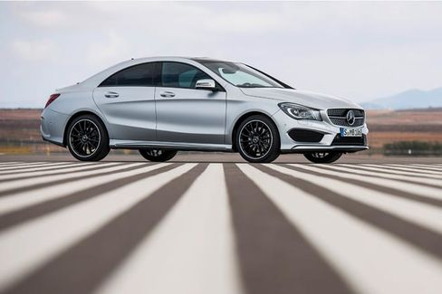 Mercedes on Pace to Pass BMW in March