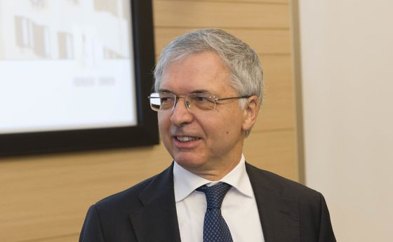Bank of Italy Veteran in Frame to Be Draghi's Finance Minister