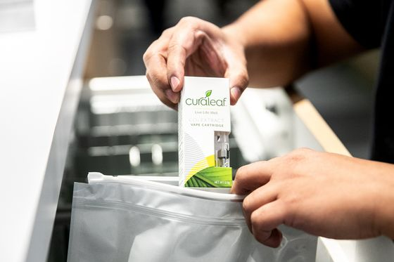 Curaleaf Bets Nearly $1 Billion on Weed Oil in U.S.