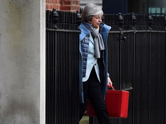 Theresa MayGives Up on Cross-Party Talks to Fix Brexit, Sources Say