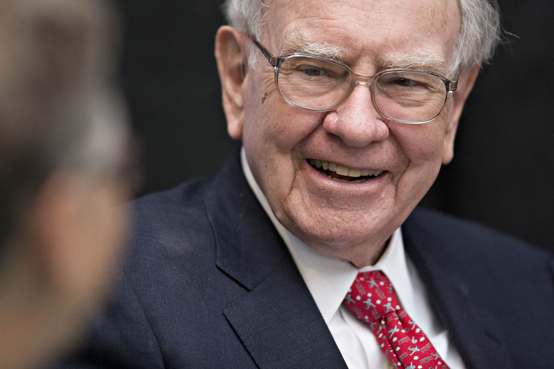 Buffett Gives $2.2 Billion to Charity That Embraces Failure - Bloomberg