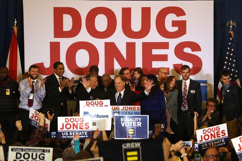 Bloomberg View: Οι Ρεπουμπλικάνοι έχουν τώρα λόγο να πανικοβληθούν
