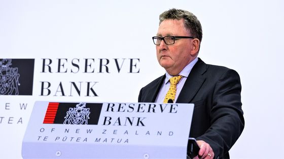 Orr Says Next RBNZ Meeting 'Live' Even if Outbreak Persists