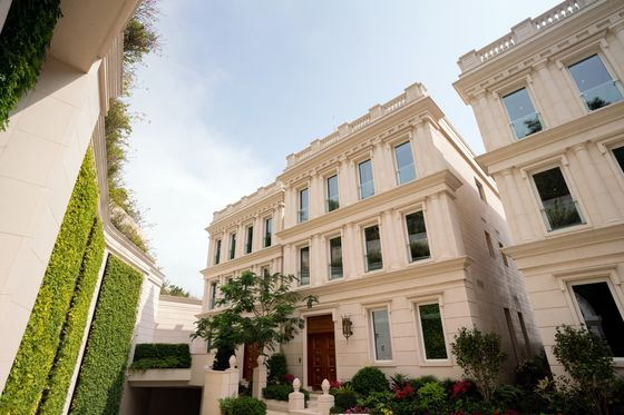 Hong Kong Luxury House Bought for$55 Million by Private Equity Firm Founder