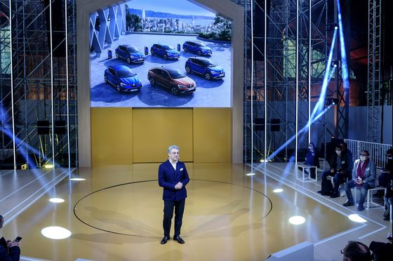 Renault Is Stuck in the Slow Lane Even as Car Sales Surge