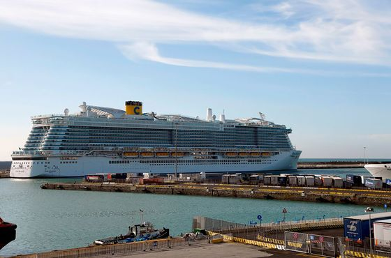 Passengers May Leave Italy Ship; Tests Show No Virus Danger