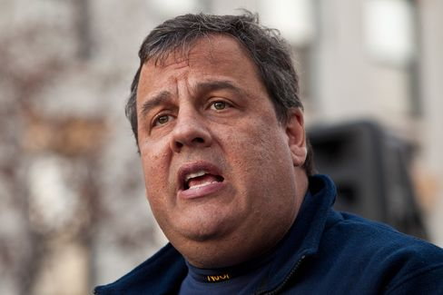 Christie Says 'Know-Nothing' Romney Aides Spread Tension Reports