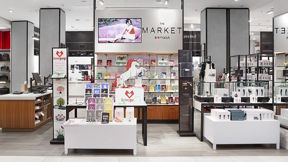Landlords Embrace Pop-Up Shops to Revive the American Mall
