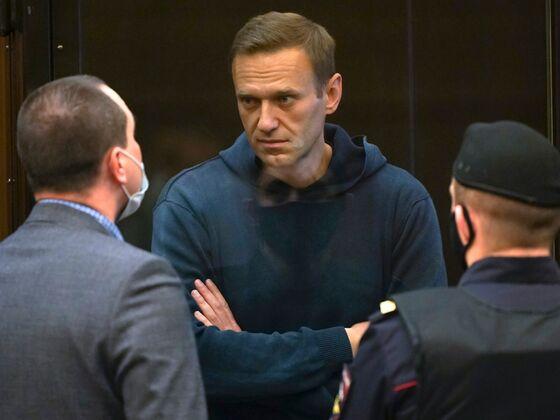 EU's Top Diplomat Demands Navalny Release in Tense Moscow Talks