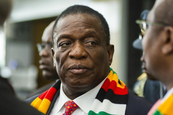 Zimbabwe Rebuffs South African Attempt to Ease Political Crisis
