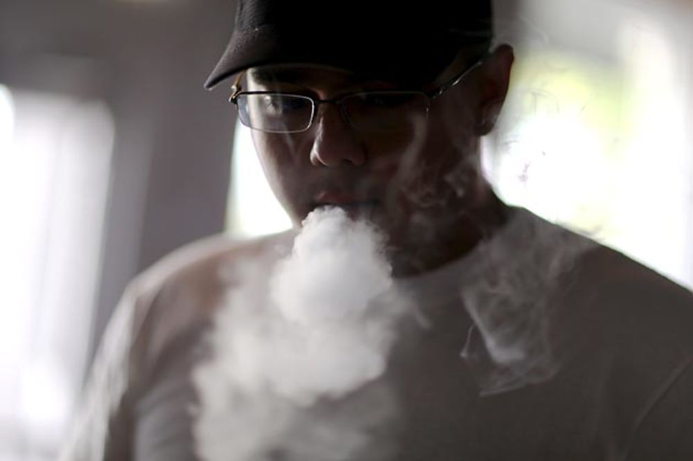 sports shoes f0810 7f4ec Healthy Markups on E-Cigarettes Turn Vacant Storefronts Into  Vape Shops