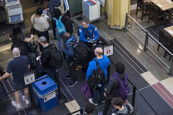 Airports Worry AboutScreener Absences If the Shutdown Continues